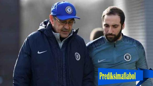 Maurizio Sarri Akan Membawa Gonzalo Higuain