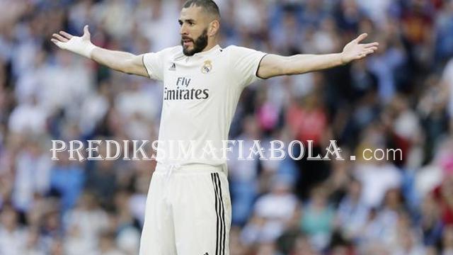 Karim Benzema Yang Bertugas Menjadi Penggani Ronaldo
