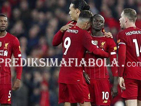 VAR Tidak Kenakan Van Dijk Handball dan Membuat Liverpool Menang